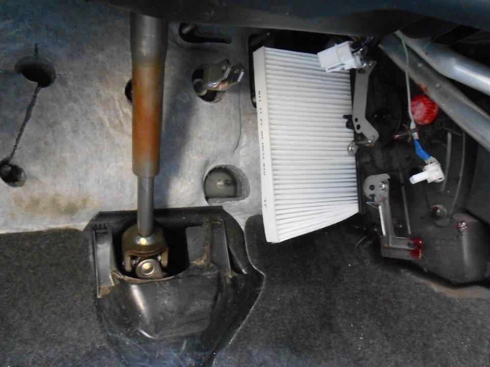 Замена салонного фильтра Nissan Qashqai